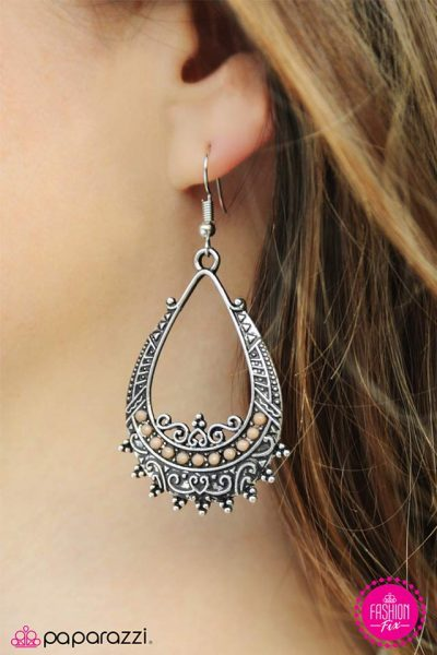 Paparazzi Adventure Ready Earring