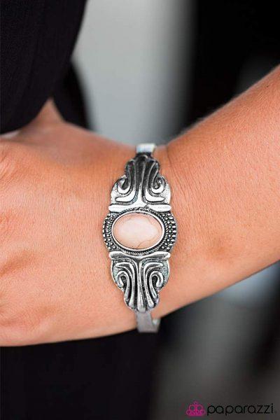 Paparazzi Desert Deity Bracelet
